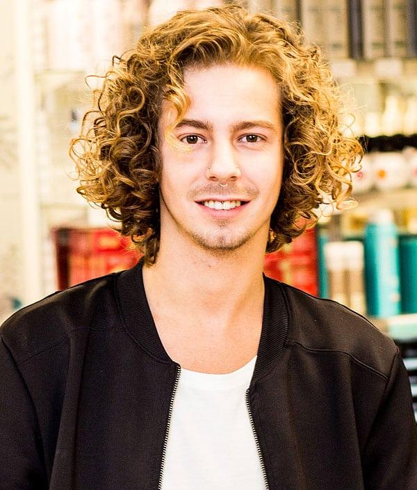 Adam, frisör på Ansa i Göteborg